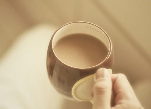 温暖的待用咖啡 - 听力课堂
