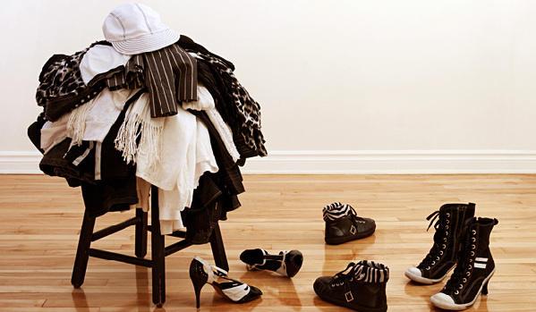 椅子和地板也能当衣柜?