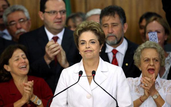 """巴西总统遭弹劾""""停职"""""""