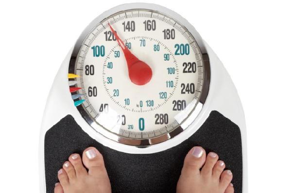 超重的一代:上大学长胖,休假也长胖