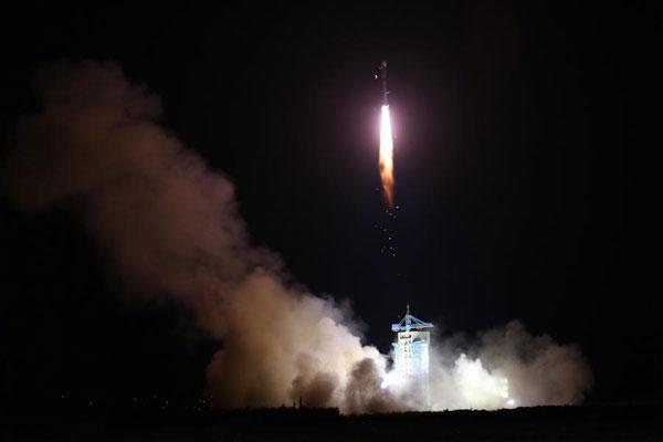"""我国首颗""""量子卫星""""升空"""