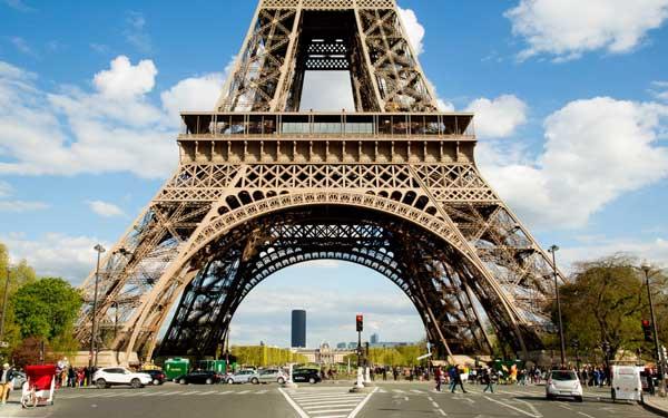 埃菲尔铁塔将建防弹玻璃墙防恐袭