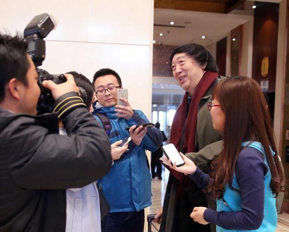 冯骥才:别指望人们靠几台节目就对诗歌感兴趣