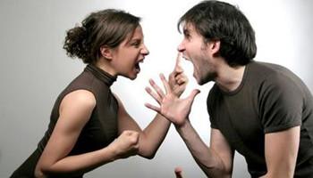 英国:夫妻吵架怪对方父母?