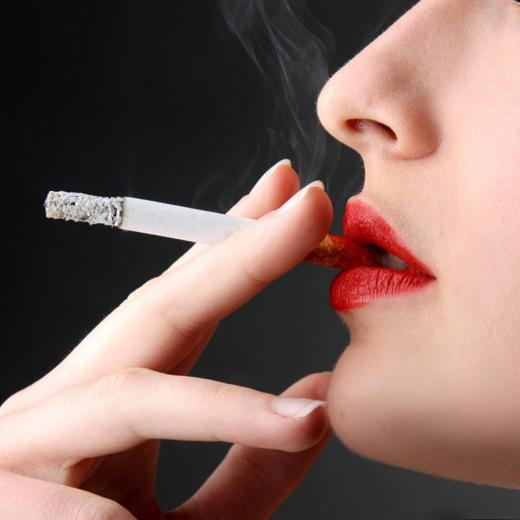 """你知道""""吸烟礼节""""吗?"""