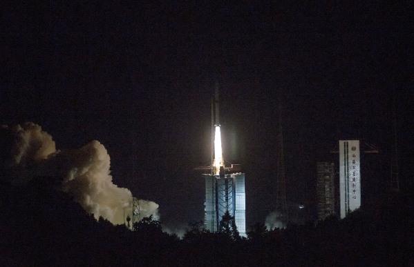 """""""鹊桥""""号成功发射!将在地月之间搭建""""通信中继站"""""""