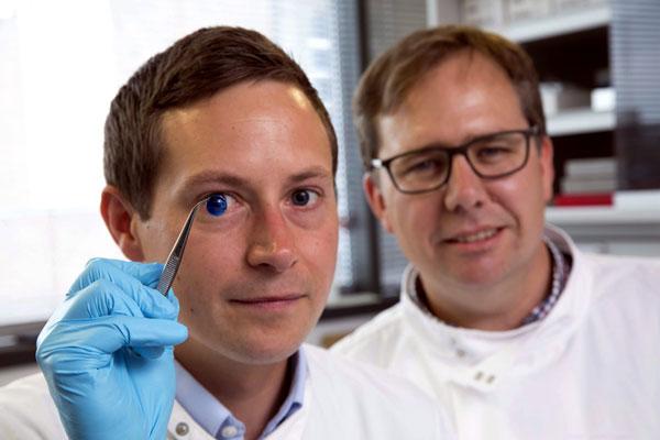英国科学家研发出3D打印眼角膜 有望无限量供应