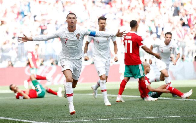 世界杯出局后 C罗完成转会 加盟尤文图斯