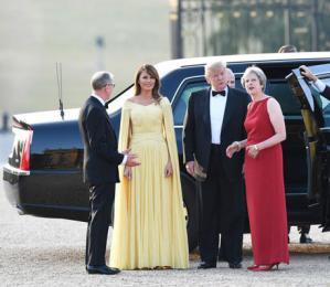 """特朗普访英 英国民众为他办了一场""""反特嘉年华"""""""