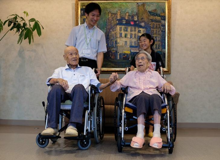 令人羡慕! 日本这对夫妻的婚姻已长达80年!