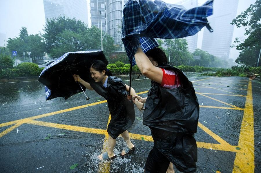 """强台风""""山竹""""过境 那有没有叫""""榴莲""""的台风呢?"""