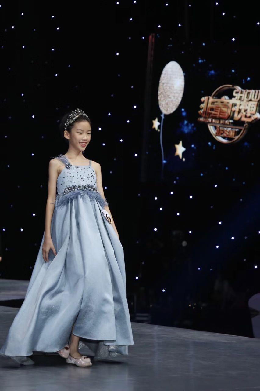 Fashion New Star冠军刘秋言当选韦博青少英语形象大使