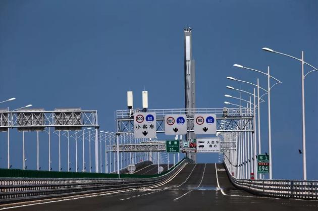 港珠澳大桥靠左还是靠右行?关于大桥,你需要知道的N件事