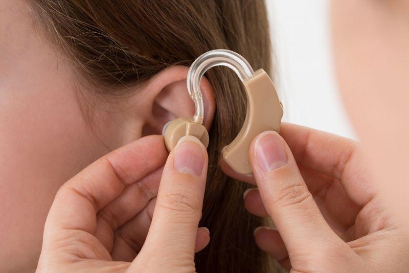 佩戴助听器可使老年痴呆患病过程放慢75%