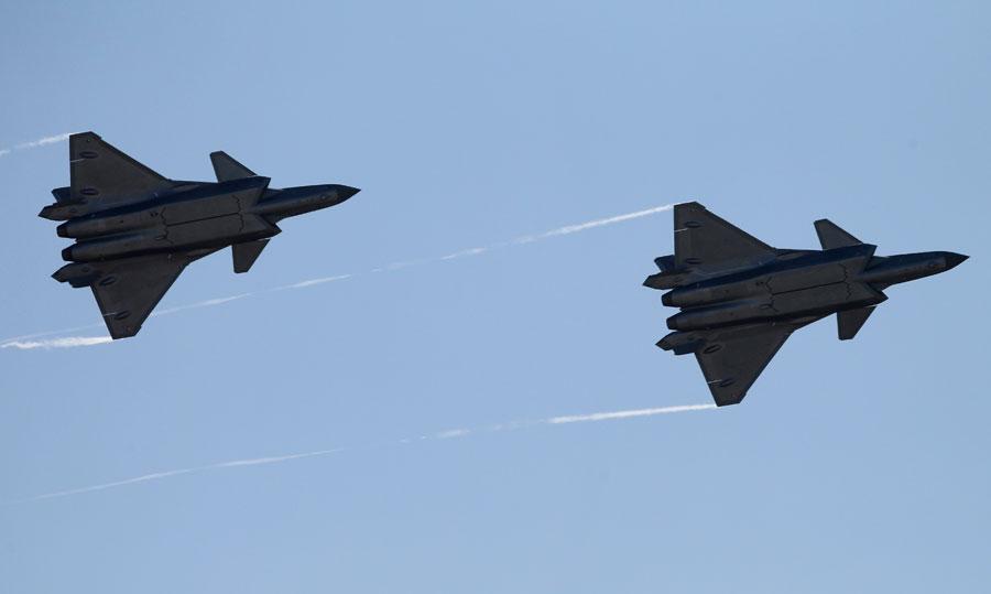 中国空军公布建设强大现代化空军路线图