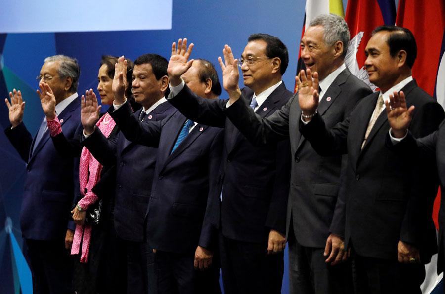 """中国和东盟通过""""2030年愿景"""""""