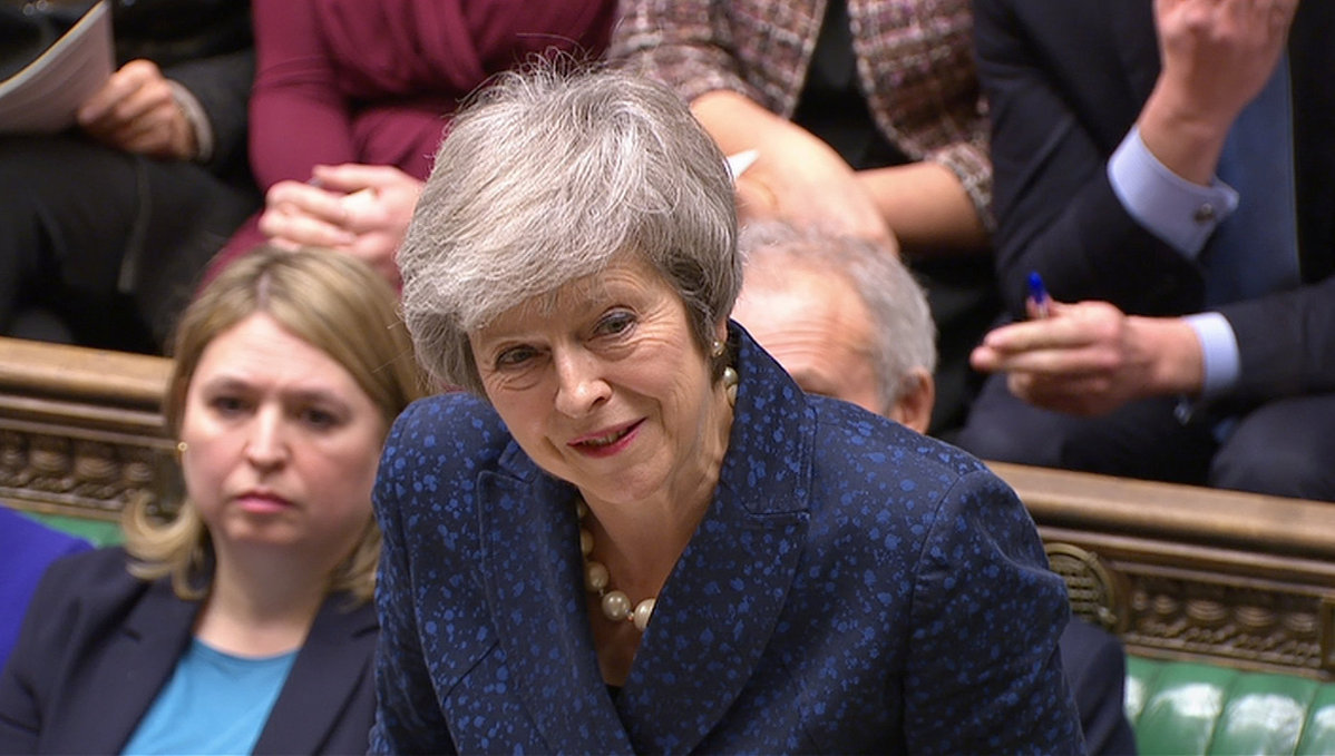 英国首相特蕾莎·梅挺过党内不信任投票
