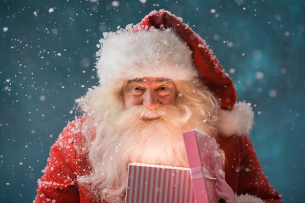 圣诞树上挂根儿腌黄瓜!