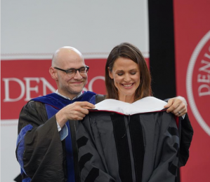 Jennifer毕业演讲中给你的八条人生建议