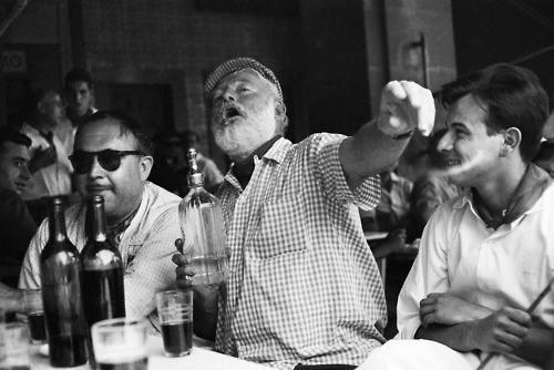 海明威在巴黎解放里兹酒吧的那一天