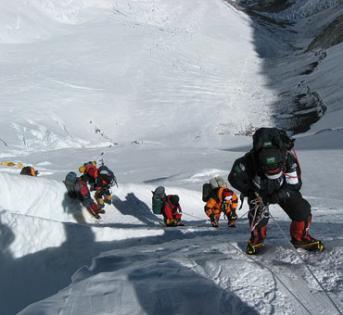 珠穆朗玛峰禁止使用一次性塑料