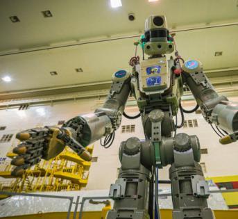 俄罗斯将机器人送入太空测试新型助推火箭