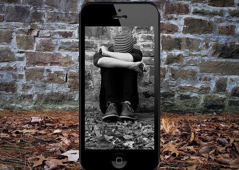 全球有1/3的年轻人表示,自己是网络欺凌的受害者