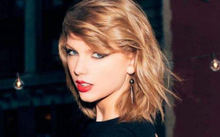 《唐探2》这个插曲,原来是霉霉Taylor Swift的老歌