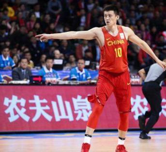 中国男篮周鹏因伤宣布退赛