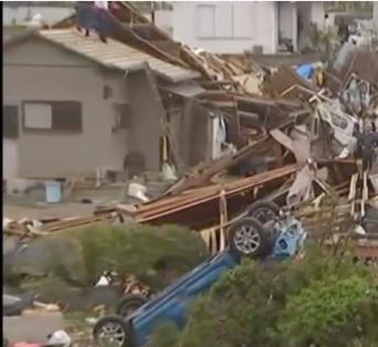 日本强台风海贝思过后,清理工作开始